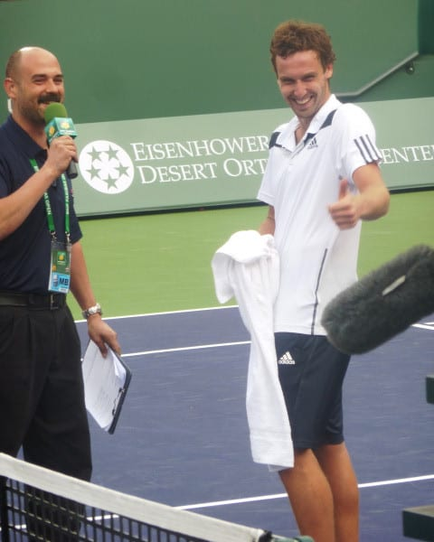 IW - Gulbis Thumbs Up